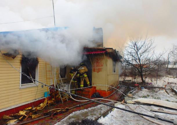 На борьбу с огнём химкинским пожарным потребовалось 7 часов